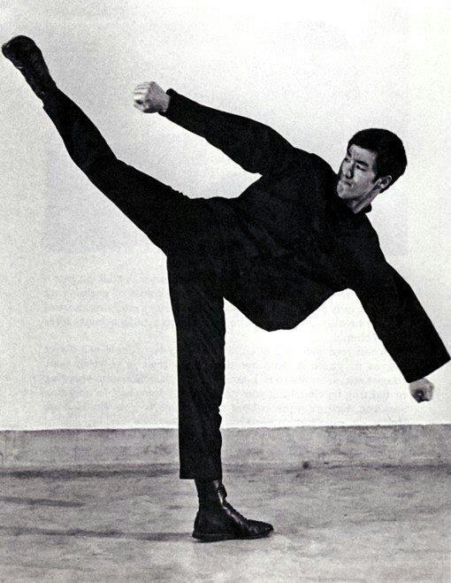 Bruce Lee Mobilty Kick